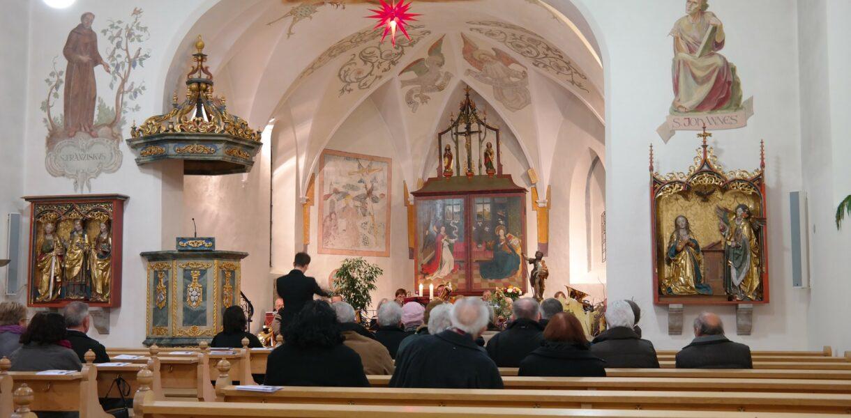 ¿Cómo emitir misas online en tu parroquia?